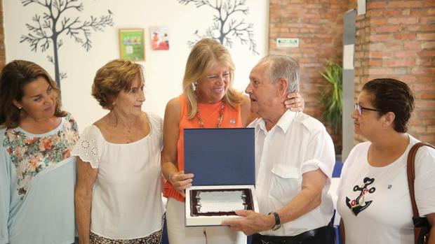 La alcaldesa en el aniversario del centro de personas activas de Marbella