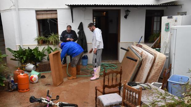 Daños en unas de las viviendas de Campillos