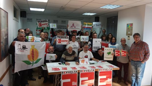 Representantes de varios colectivos que han organizados la manifestación
