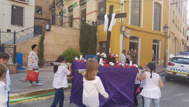 Uno de los tronos participantes en el concurso de Chavicos de Guadix