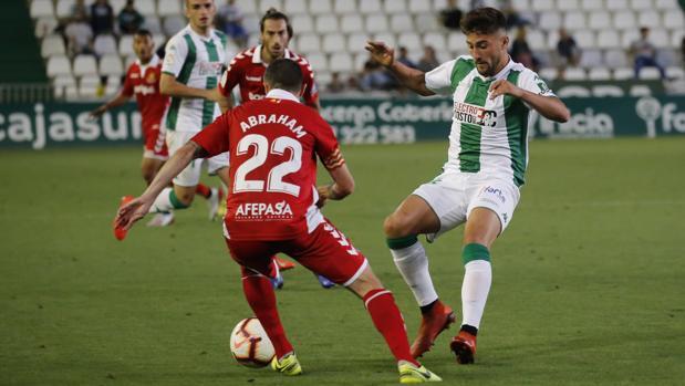 El delantero del Córdoba Chuma, en el partido ante el Nástic