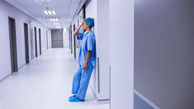 Comunicar la muerte de pacientes es un duro trance para los sanitarios