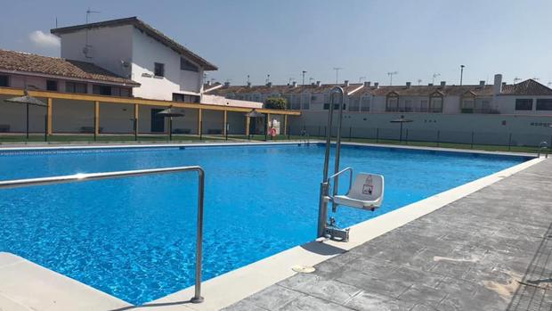 Imagen de la piscina municipal de Castellar de la Frontera