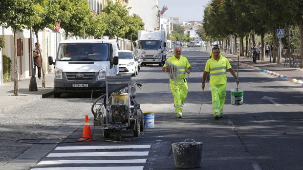 Obras anteriores de ensanchamiento de la zona peatonal en Ronda de Isasa