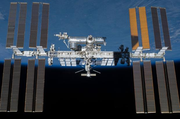 Estación Espacial Internacional. Un módulo japonés de experimentación es capaz de lanzar minisatélites de forma barata