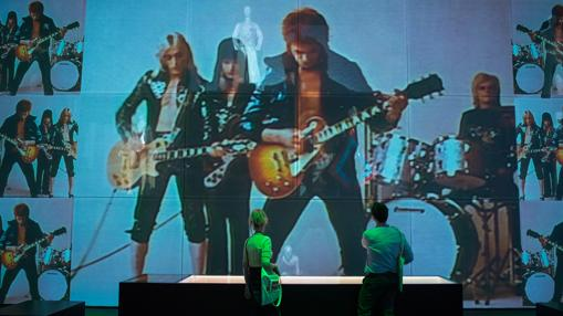 «David Bowie Is» repasa la treyectoria del artista a partir de 300 objetos