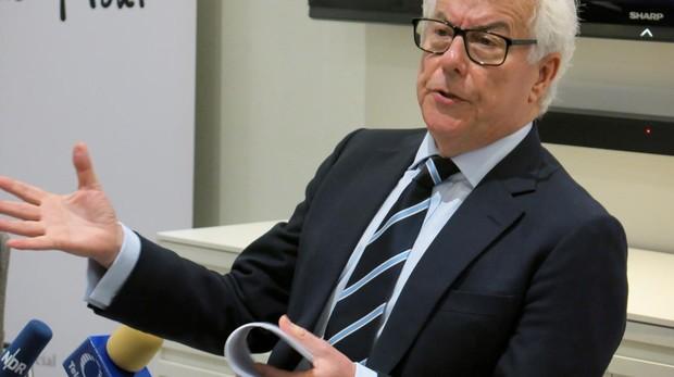 Prestigiosos escritores británicos como Ken Follett (imagen) expresarán su «preocupación» ante los acontecimientos políticos del Reino Unidoy su rechazo al «Brexit»