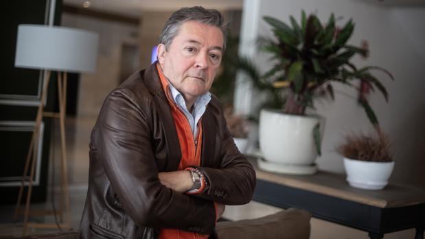 Javier Salvago: «No tengo la necesidad de escribir más poesía»