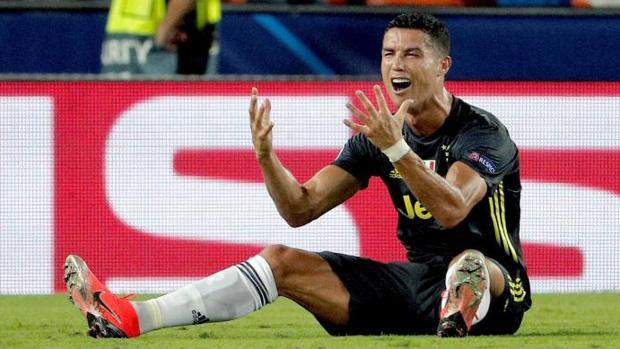Cristiano Ronaldo tras ser expulsado ante el Valencia en Champions League