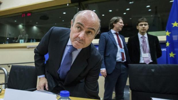 El ministro de Economía, Luis de Guindos, durante la reunión del Eurogrupo