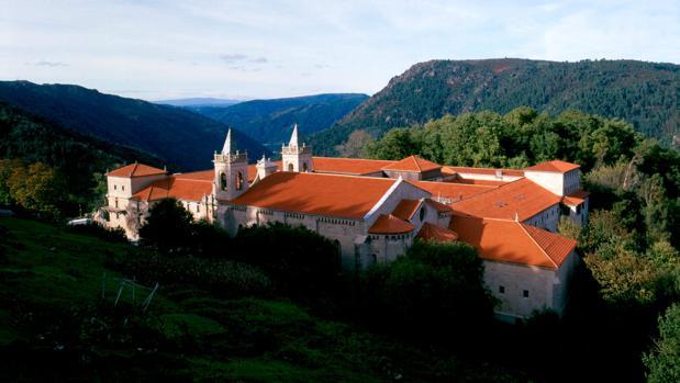 Vista del Monasterio de Santo Estevo, en el corazón de la Ribeira Sacra (Orense), reconvertido en un inolvidable Parador