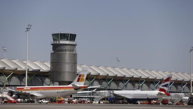 Las tarifas acordadas por Aena se han calculado distribuyendo la congelación tarifaria global entre los distintos servicios aeroportuarios