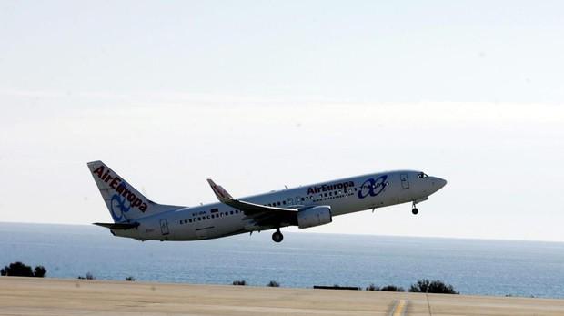 Avión de Air Europa en el aeropuerto de Almería