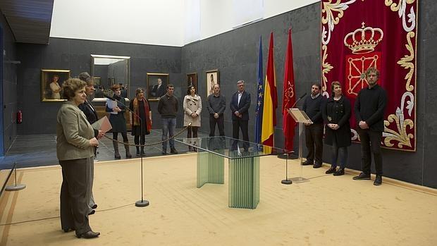 Anderson y Zdanok junto a un grupo de eurodiputados, se encuentran de visita al País Vasco y Navarra para evaluar la situación de los presos de ETA