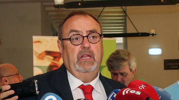 Fernando Rey, consejero de Educación