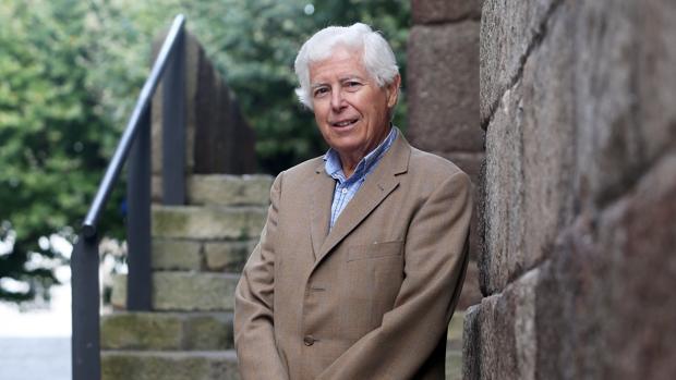 El presidente de la Real Academia de Doctores, Antonio Bascones, retratado por ABC tras la entrevista