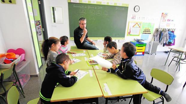 Alumnos en clase en un centro educativo de la Comunidad Valenciana