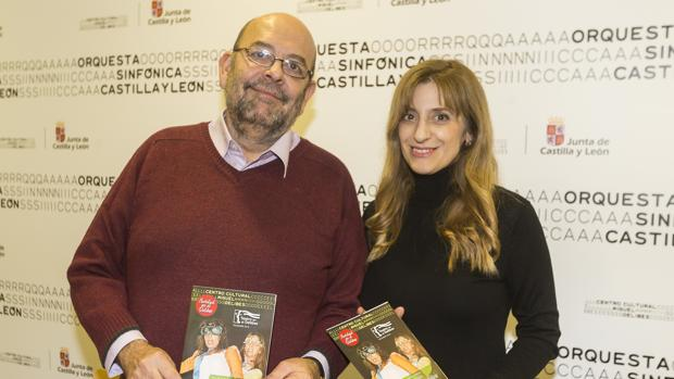 Tomás Martín, de Artesa, y la directora general de Políticas Culturales de la Junta, Mar Sancho