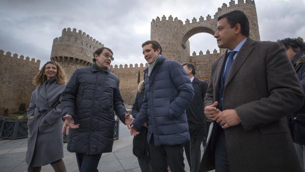 Alicia García, Alfonso Fernández Mañueco, Pablo Casado y Carlos García, este jueves en Ávila