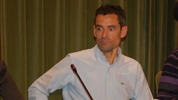 Ángel Llorens pasa del PP a Ciudadanos en Cuenca. Al conocerse su cambio, este miércoles ha sido cesado como concejal de Deportes