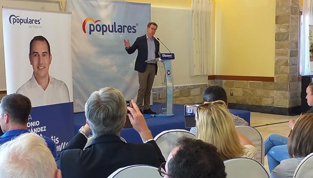Alberto Núñez Feijóo en el acto electoral celebrado en Padrón