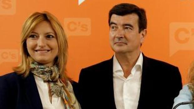 Cristina Gabarda y Fernando Giner, en un acto de presentación de candidatos de Ciudadanos
