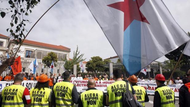 Manifestación de los trabajadores de las industrias electrointensivas gallegas celebrada en Santiago