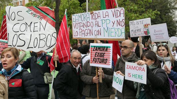 Las entidades que promovieron la manifestación del 31 de marzo en Madrid por la «España vaciada» han decidido crear una coordinadora estable contra la despoblación