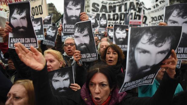 Manifestación en Buenos Aires reclamando la aparición de Santiago Maldonado