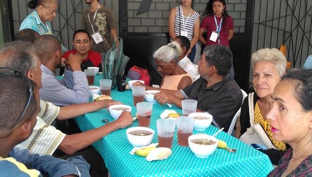 Multitud de venezolanos comen una vez al día gracias a la Iglesia Chiquinquirá