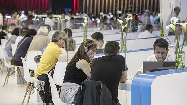 Recibir una buena oferta es fácil en un evento como el Salón Automobile Barcelona