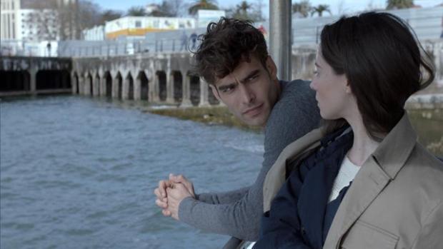 Jon Kortajarena y Elena Rivera son los protagonistas de «La verdad»