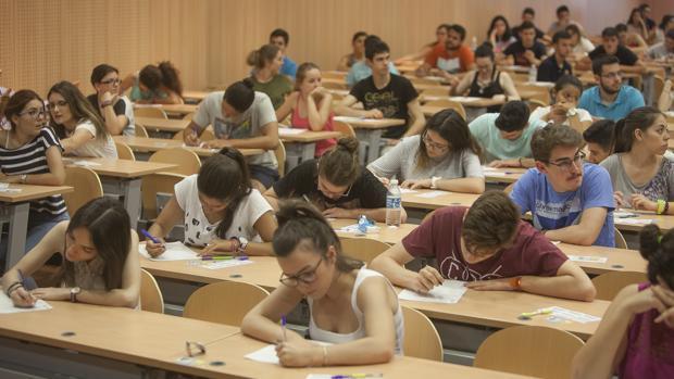 Los estudiantes gaditanos no temen irse de casa para trabajar.