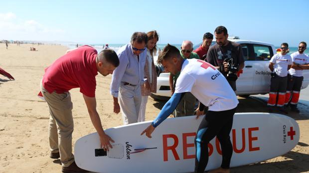 Nuevos Vehículos Para La Labor De Cruz Roja En La Barrosa
