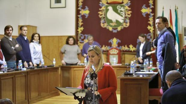 La alcaldesa de Palomares del Río, Ana Isabel Jiménez, el día que fue investida tras una moción de censura