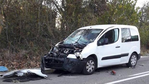 Imagen de archivo de un accidente de tráfico con una furgoneta involucrada