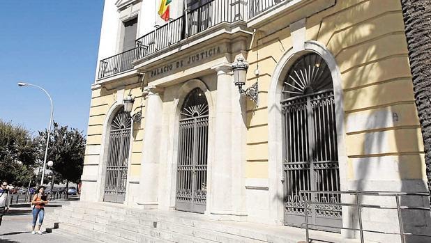 La sentencia que condena a las dos procesadas ha sido dictada por la Audiencia de Cádiz.