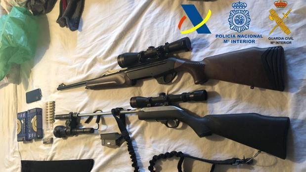 Armas intervenidas durante la operación desarrollada
