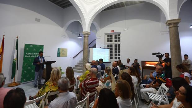 Santiago Saborido, del Archivo Histórico Provincial, durante la presentación del 'Proyecto San Telmo 1819-2019'.