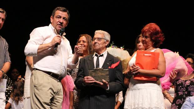 Manuel Monje Cruz recibió un homenaje hace cinco años en San Fernando.