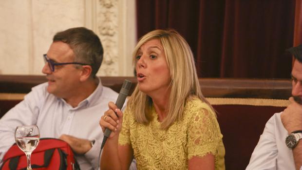 Mara Rodríguez, portavoz del PSOE en el Ayuntamiento de Cádiz.
