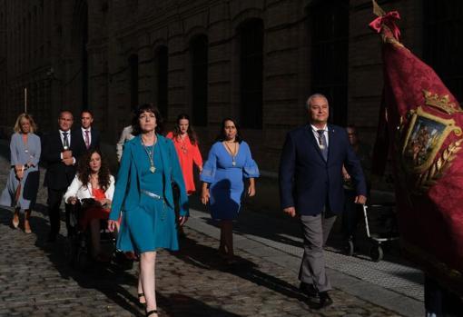 Imagen de la Corporación municipal, sin representantes del equipo de Gobierno