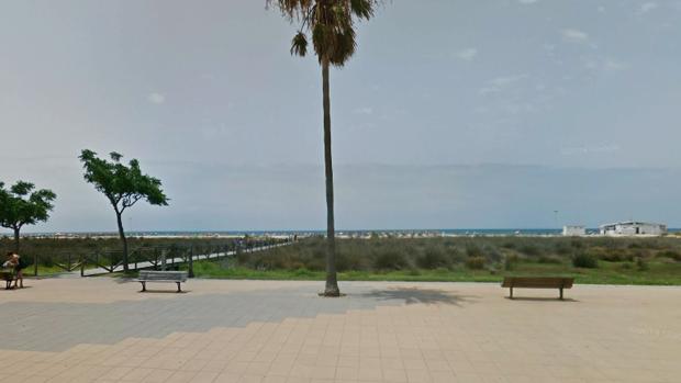 La mujer se encontraba en orilla a la altura del Hotel Bari
