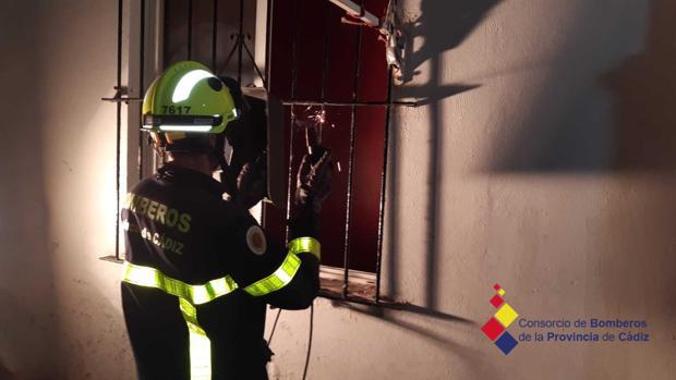 Alarma entre los vecinos de la calle Soledad en Cádiz por el riesgo de derrumbe de dos viviendas