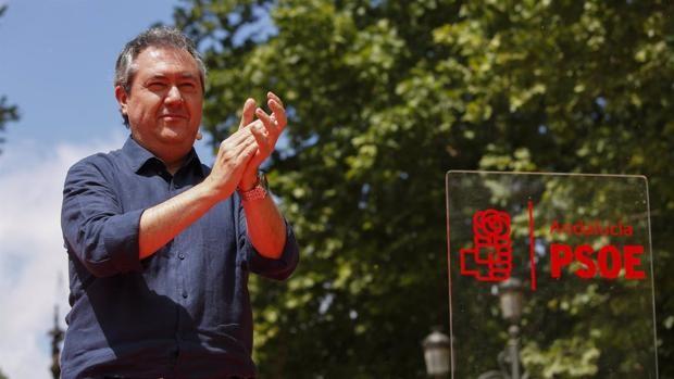 Más de una veintena de alcaldes y secretarios generales del PSOE de Cádiz apoyan la candidatura de Juan Espadas
