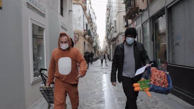 'Aguantando er tipo', un documental para mostrar el carnaval callejero de Cádiz en el año de la pandemia