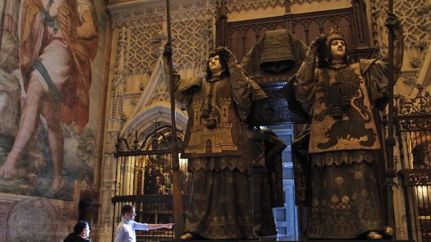Tumba de Cristóbal Colón en la Catedral de Sevilla