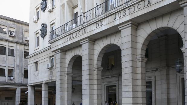 La Audiencia Provincial de Sevilla absuelve a un varón acusado de abuso sexual a una menor