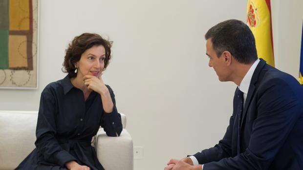 La directora general de la Unesco, Audrey Azoulay, con el presidentte del Gobierno, Pedro Sánchez